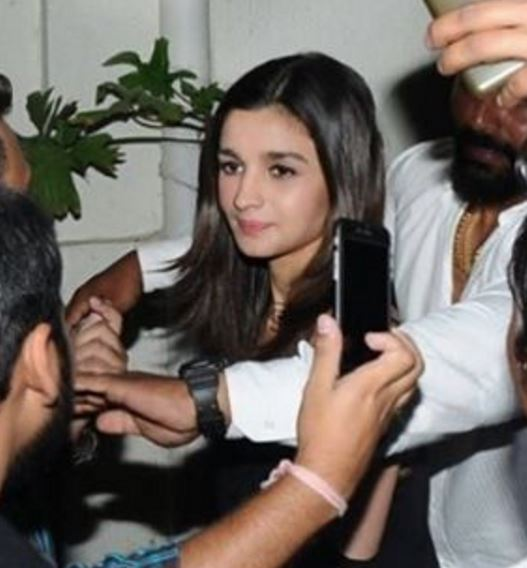 Bollywood: Shah Rukh, Sidharth present but Varun absent at Alia Bhatt's birthday bash
