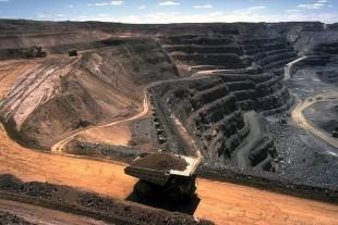 Prominent Australians urge India's Adani to abandon giant coal mine project