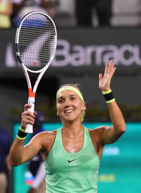 Vesnina pips Venus on way to semi-finals