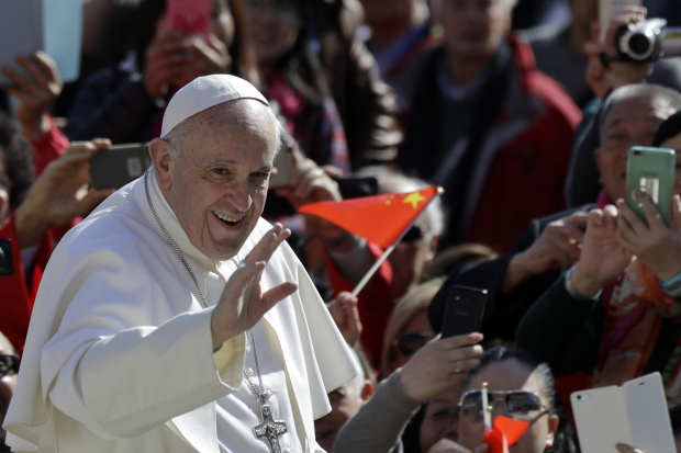 Pope Francis to visit Egypt in April as dialogue improves