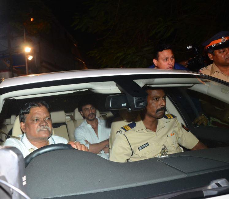 Bollywood: Bollywood pays last respects to Aishwarya Rai Bachchan's father