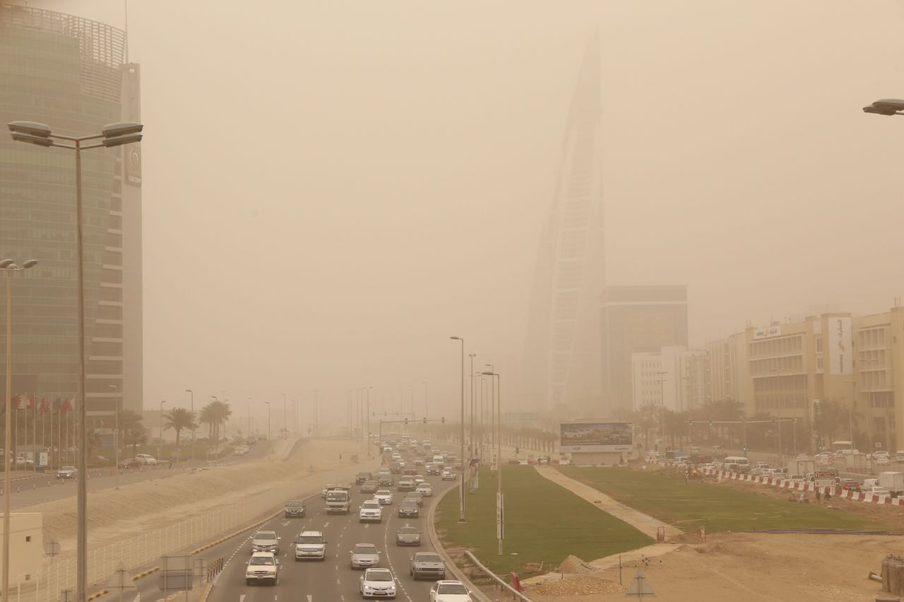 Local News: PHOTOS: Sandstorm engulfs Bahrain