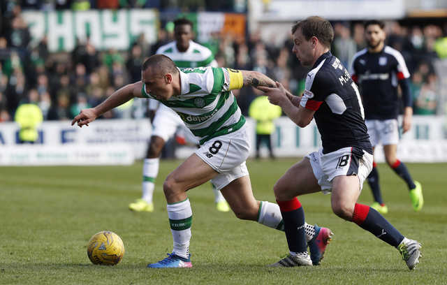 Celtic edge Dundee to close in on Scottish trophy