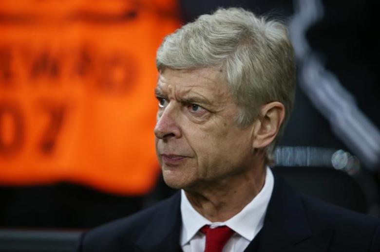 PSG deal offer 'fake news' says Wenger