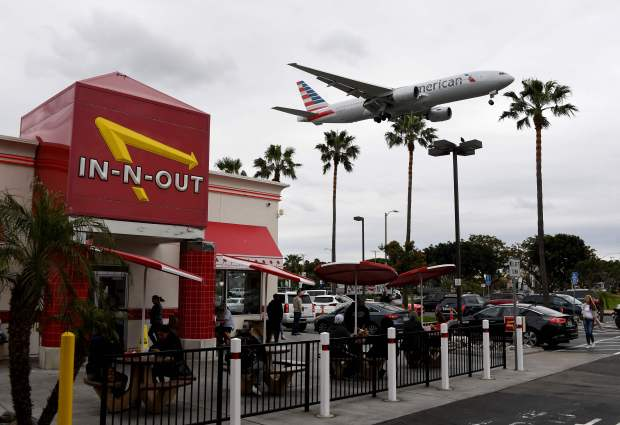 American Airlines to buy stake in China carrier