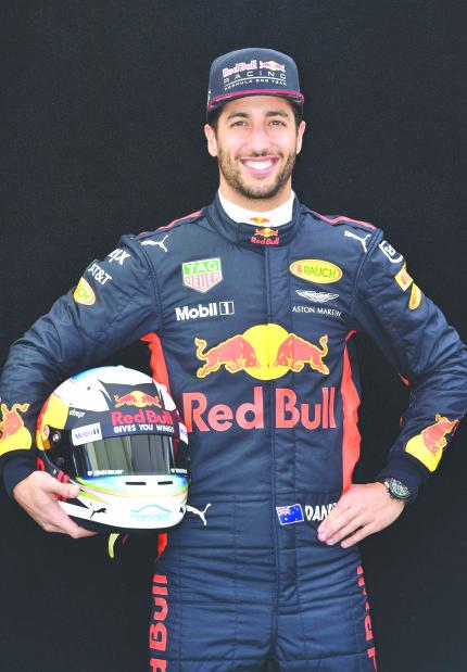 Ricciardo looks to win F1 season opener