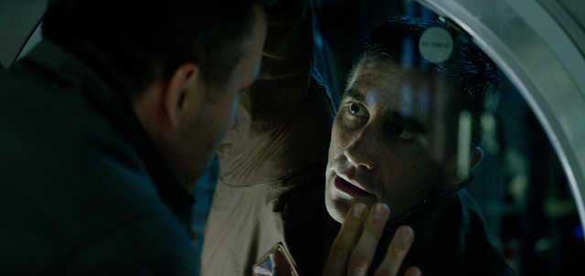 Movie Review: 'Life' is a mediocre science-fiction thriller
