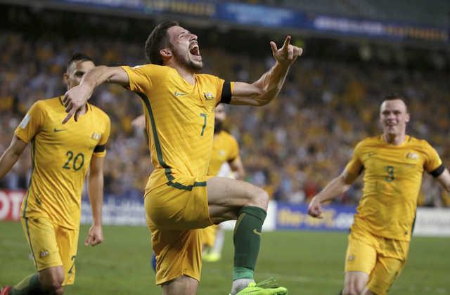 Australia beats UAE 2-0 after 4 draws in qualifying
