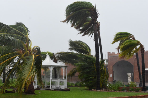 Photos: 'Monster' cyclone Debbie batters northeast Australia