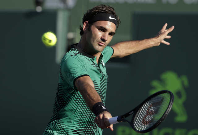 Miami Open: Federer in, Wawrinka out on mixed day for Swiss