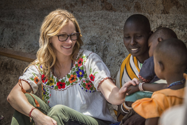 Julia Roberts helps expand Rose Nose Day charity telecast