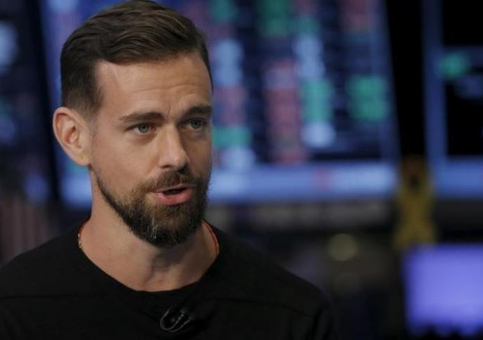 Twitter CEO forgoes compensation; long-time board member to leave