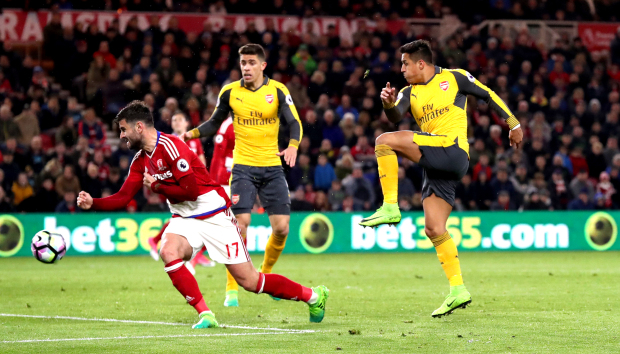 Arsenal clinch rare away win