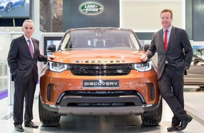 All-new Discovery debuts at Qatar Motor Show