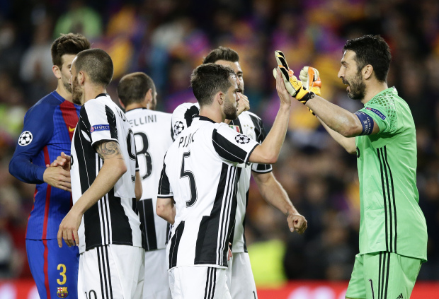 'Unbeatable' Juve set sights on title