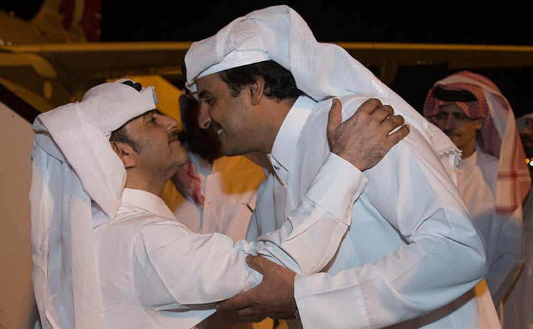 Photos: Qatari Amir welcomes freed hostages