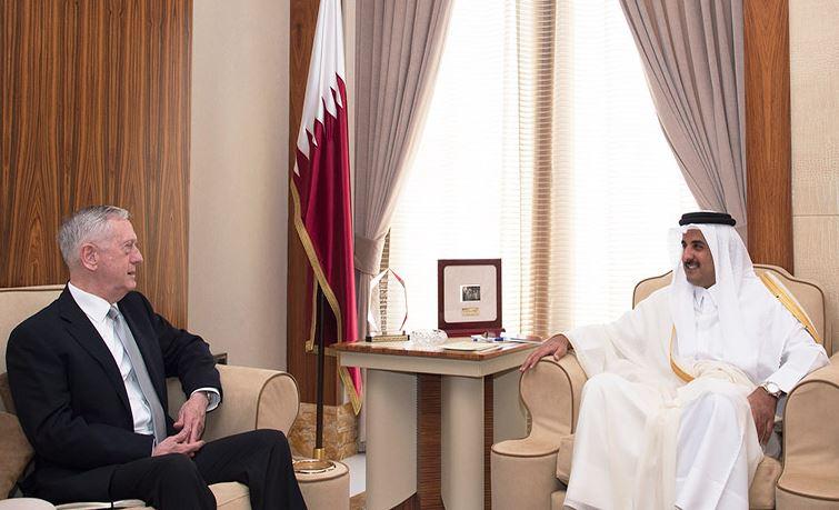 Qatari Amir reviews relations with US Defence Secretary