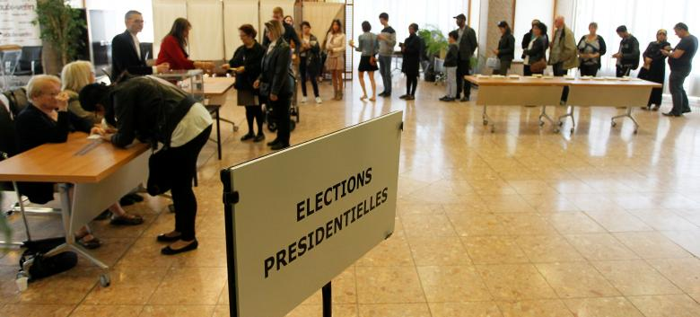 French presidential election turnout figures slightly above 2012 at midday