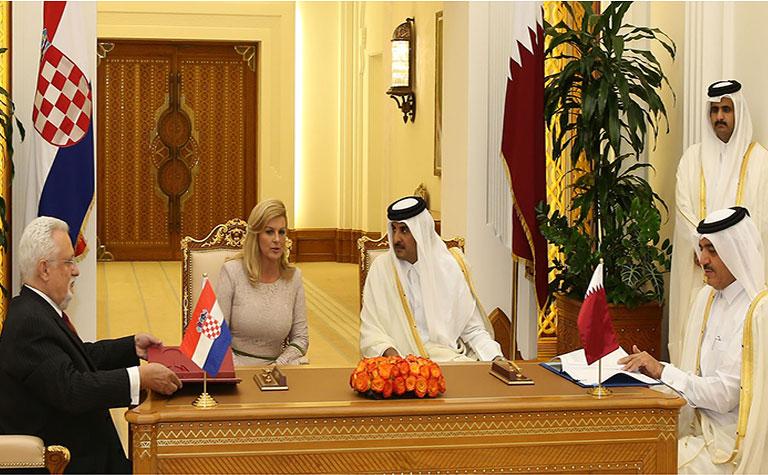 Qatari Amir holds talks on enhancing ties with Croatian president