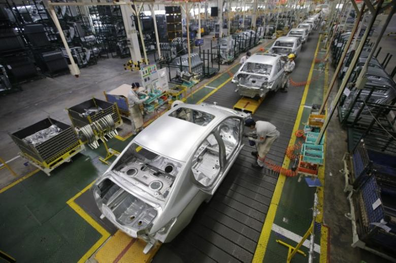 French prosecutors open Peugeot diesel-cheating probe