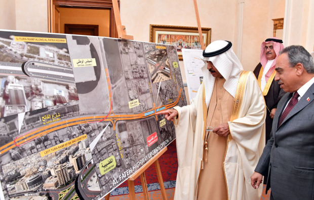 Major projects to transform Bahrain's roads outlined to the Premier