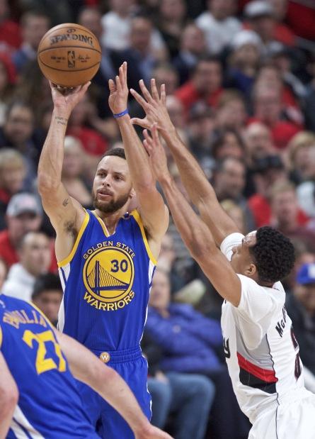 NBA: Warriors complete Trail Blazers sweep