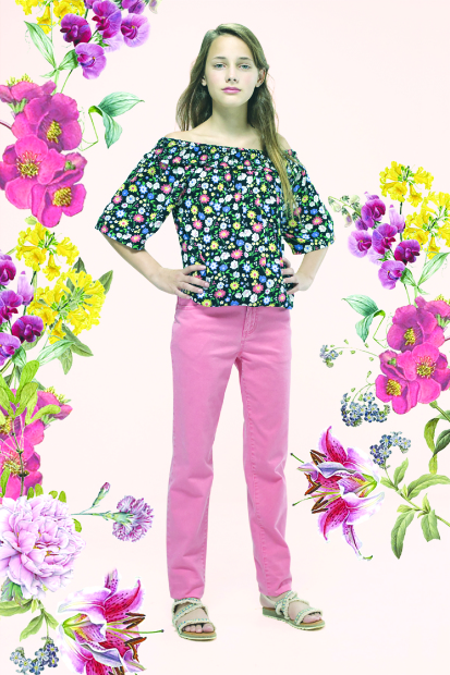 Max welcomes spring with dainty florals and comfy shorts