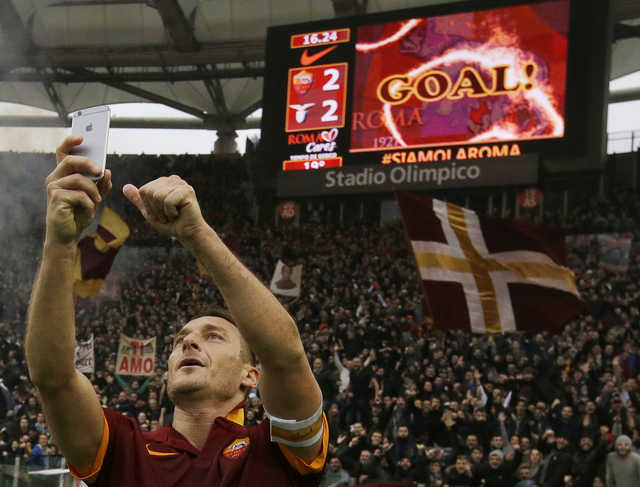 Totti out to 'destroy' Lazio in what could be his last derby