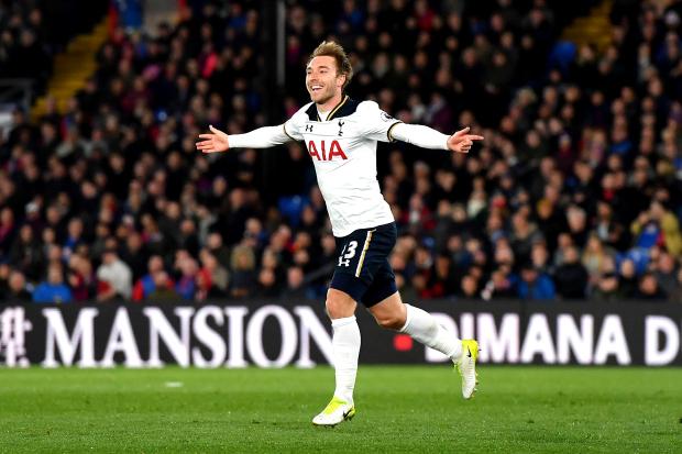 Premier League: Spurs stay in hunt