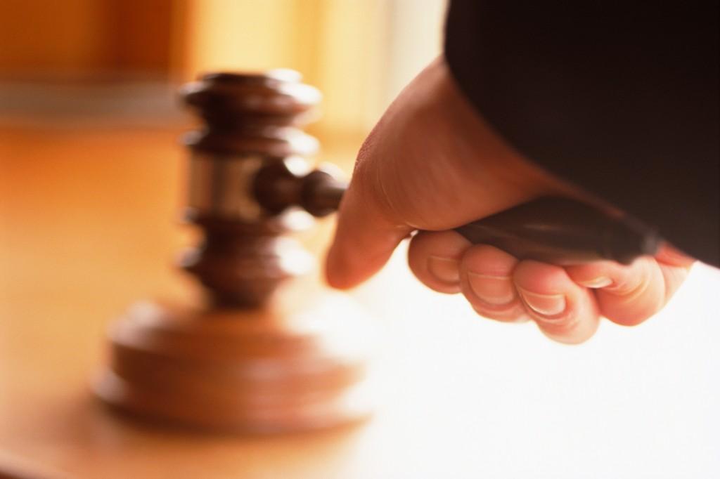 Alibi claim in policeman's murder case
