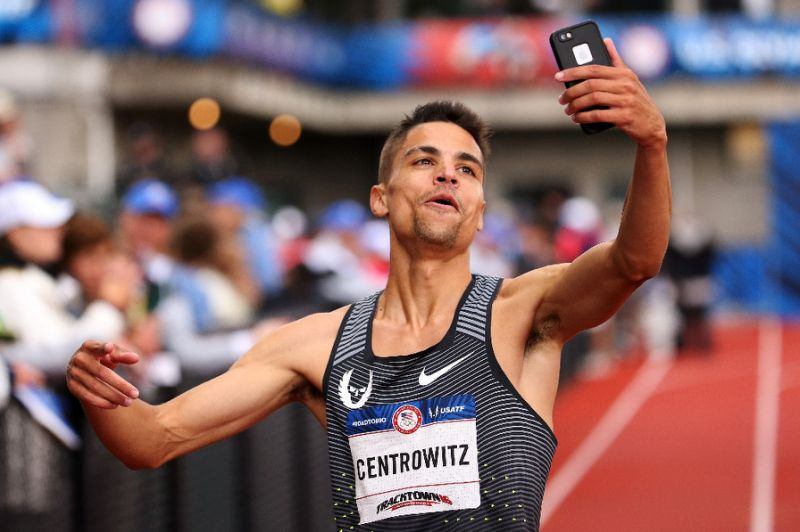 Athletics: Centrowitz dominates Farah in 1,500m
