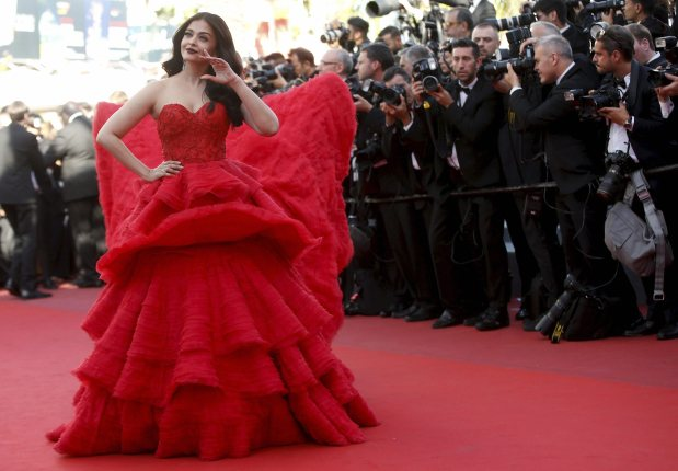 Photos: Aishwarya Rai Bachchan looks stunning at Cannes