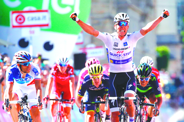 Jungels sprints to Giro stage 15 win