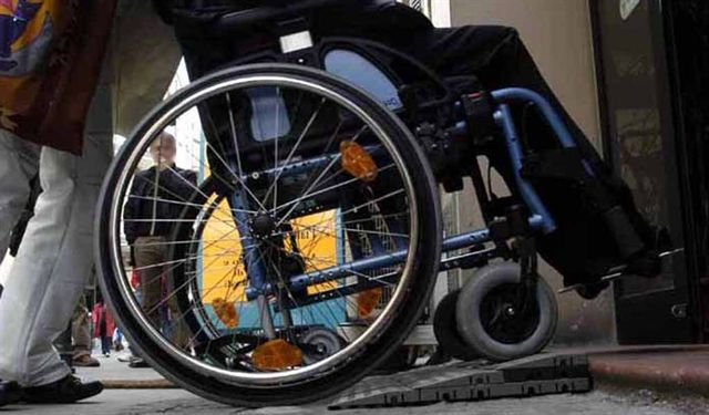 Bahraini disabled children to receive rehabilitation, financial aid