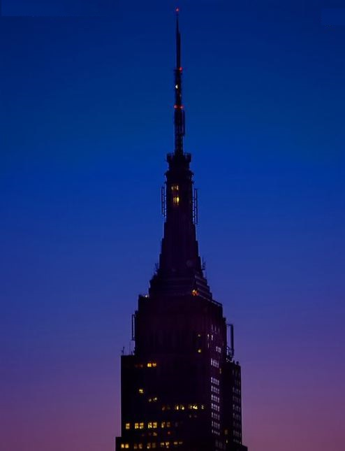 Empire State Building goes dark for Manchester victims