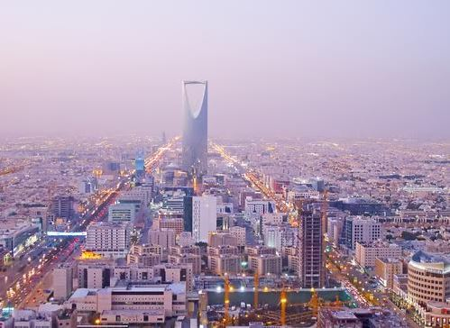 Saudi Arabia's population reaches 32.6 million, 37% non-Saudis