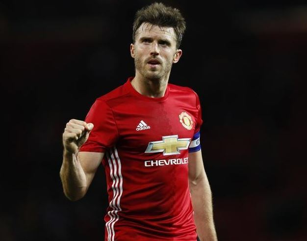 Carrick delighted with new Manchester United contract