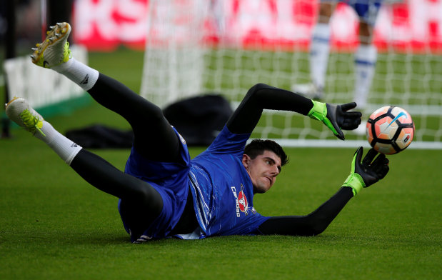 Chelsea goalkeeper Courtois blames referee and defensive lapse for Cup defeat