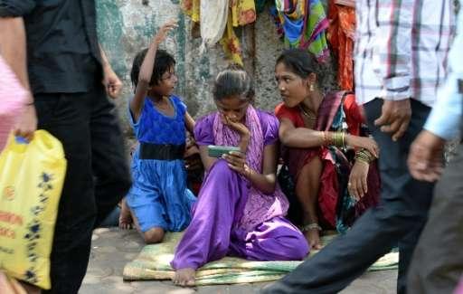India's mobile internet use increases nine-fold