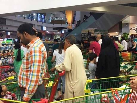 Panicked Qatar shoppers stock up as Gulf rift bites