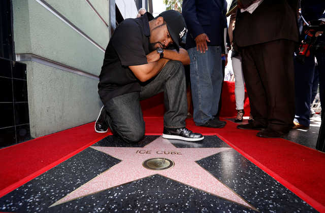 Ice Cube gets Hollywood star, thanks all 'who helped me get here'