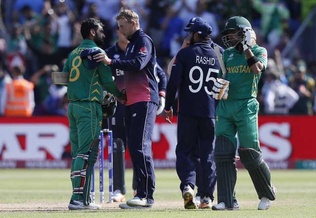 Waqar slams Morgan's 'lame' excuse