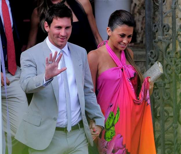 Messi's hometown, old friends brace for celeb wedding
