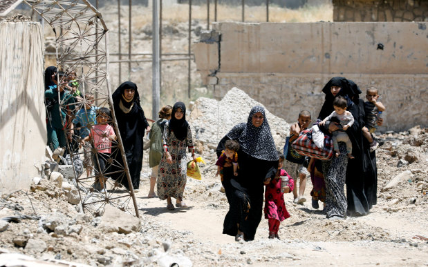 100,000 civilians held by IS in Mosul's Old City as 'human shields'