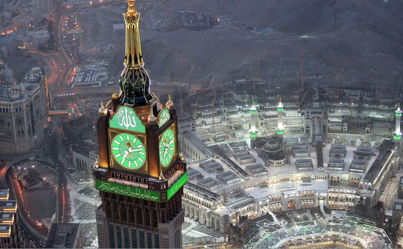 KSA: PHOTOS: Enthralling images of a spiritual Mecca by night
