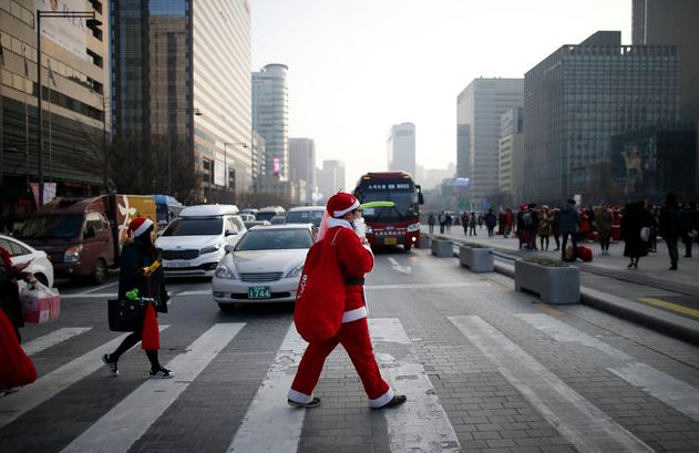 China shames jaywalkers through facial recognition