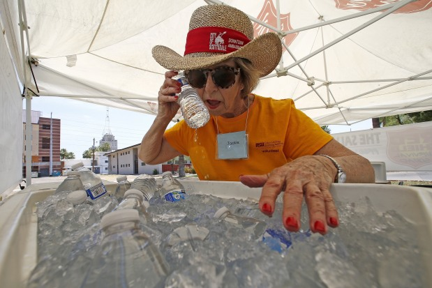 Cancelled flights, burning door handles: Heat hits Southwestern US