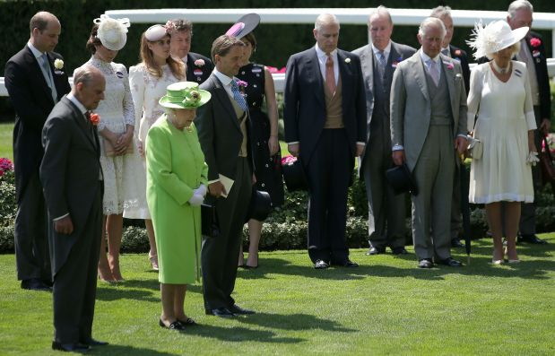 PHOTOS: British royal family in attendance as Ascot pays tribute to victims