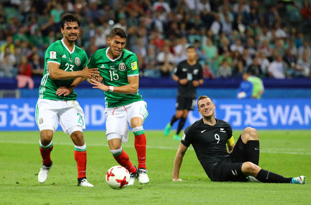 Confederations Cup: Mexico recovers to beat New Zealand 2-1