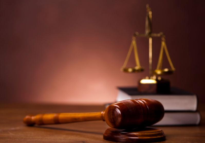 Brothers accused of stabbing policemen acquitted